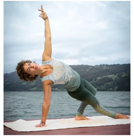 Yoga Top Bakti
